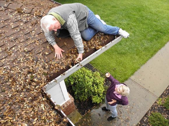 Why cleaning your gutters yourself is a really bad idea…