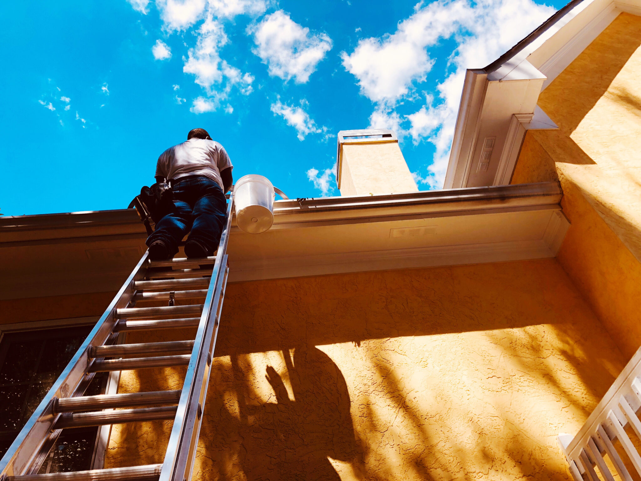 5 safety reasons to get your gutters professionally cleaned